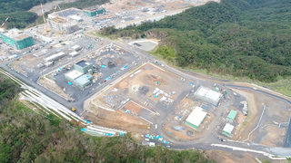奄美大島自衛隊基地建設現場・上空から.jpg