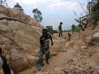 コンゴ採掘スチルv.jpg